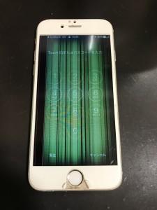 画面が緑色になっているiPhone6s