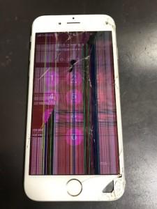液晶画面が破損したiPhone6
