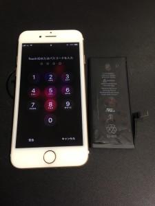 iPhone7と膨張したバッテリー