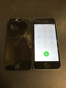 画面が割れたiPhoneSE