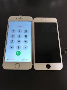 映らなくなった画面と修理後のiPhone7