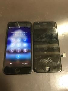 亀裂が入った画面とiPhone7
