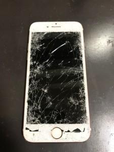 破損したiPhone7の画面