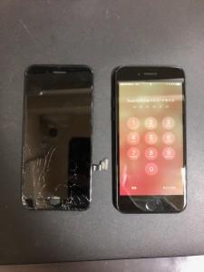 下部が割れてしまった画面と修理完了後のiPhone7