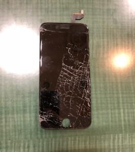 上から踏んでしまったiPhone6sの画面