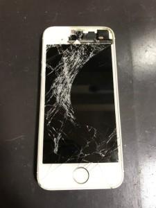 画面の上部が剥がれたiPhone5s