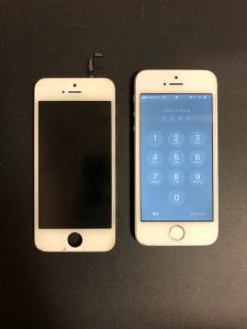 映らなくなった画面と修理後のiPhoneSE