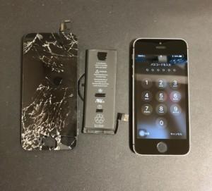 交換した画面とバッテリー、修理後のiPhone5s