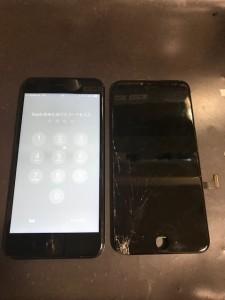 iPhone7Plusと割れたパネル