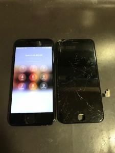画面全体が損傷したiPhone7