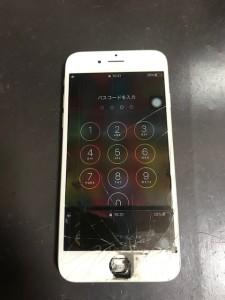 パネルが剥がれたiPhone6