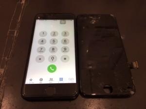 アイフォン7 フロントパネル修理