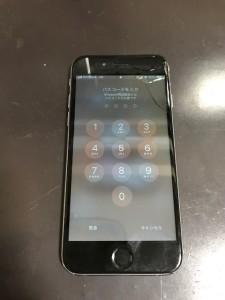 画面が割れたiPhone6