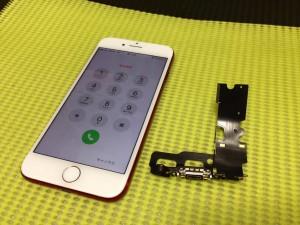 iphone8のコネクタ修理